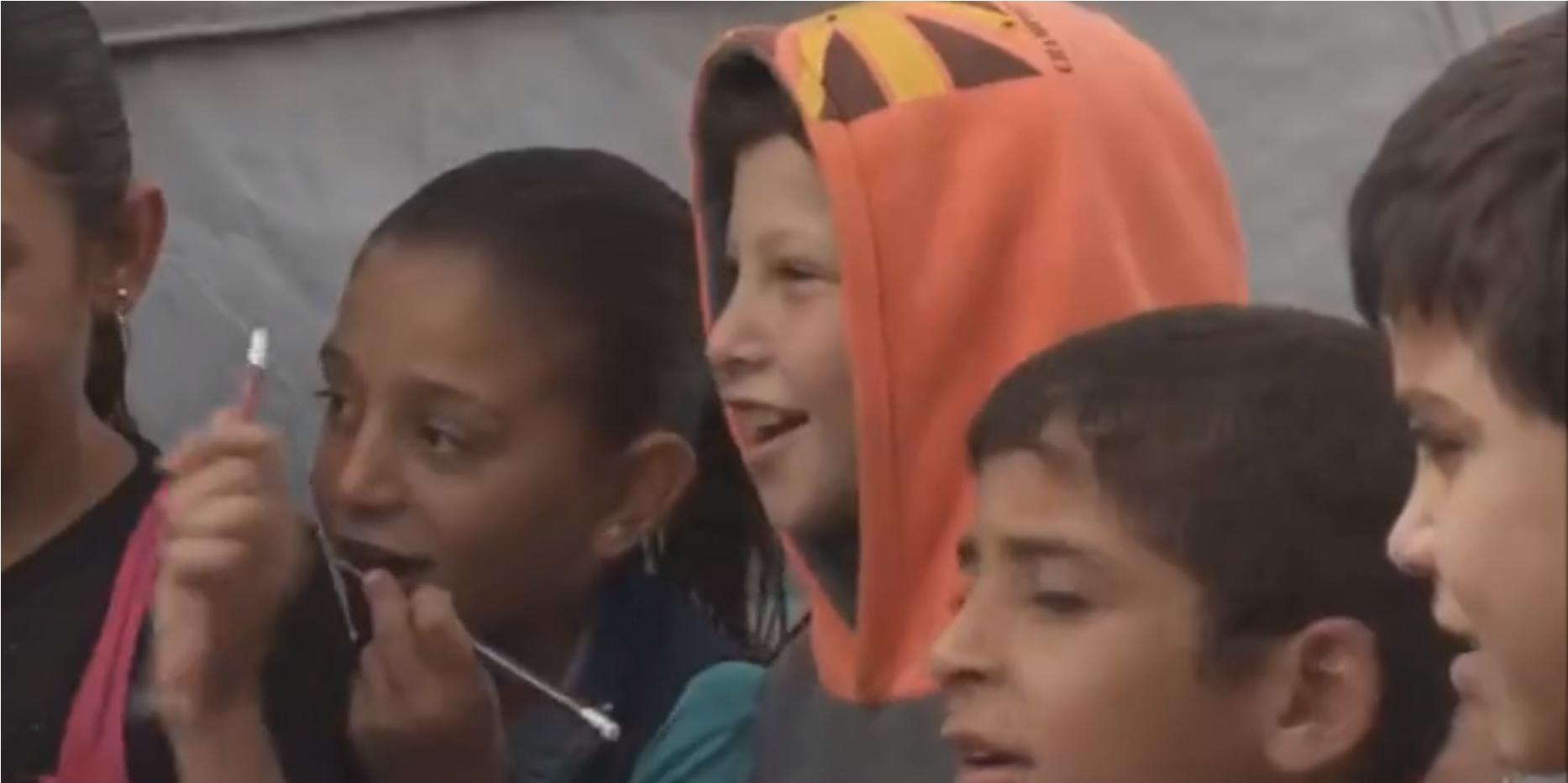 Líbano: Uma tenda transformada em escola