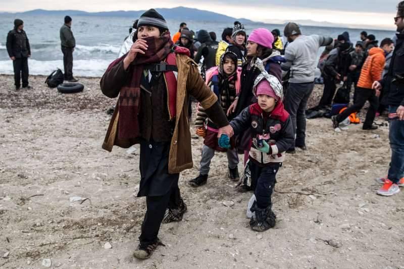 Nas 6 primeiras semanas de 2016, mais de 80.000 pessoas fizeram a travessia irregular do Mediterrâneo
