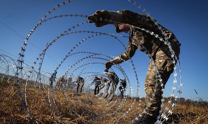 ACNUR alerta para crise humanitária iminente na Grécia devido ao impasse europeu