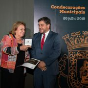 Maria Teresa Tito de Morais condecorada com a Medalha de Honra do Concelho de Loures