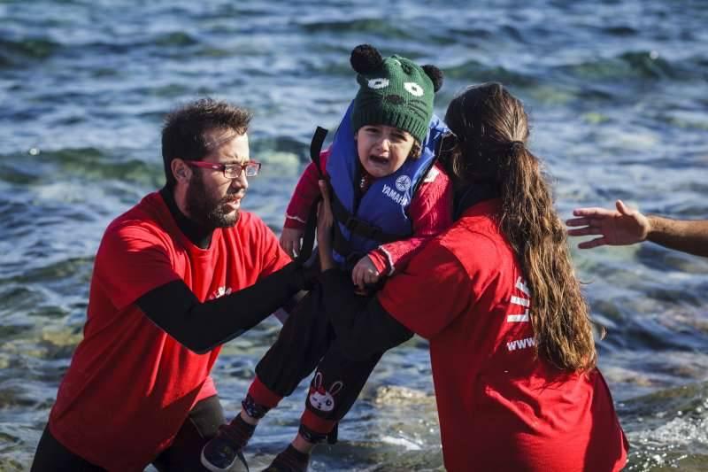Naufrágios no Mediterrâneo: Morrem mais de duas crianças por dia. Intensificam-se as travessias irregulares.