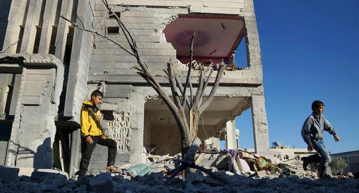 Síria: Negociações de paz suspensas. Até quando o sofrimento do povo sírio?