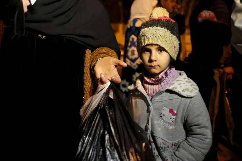 Fome e desespero em 15 localidades sírias sitiadas