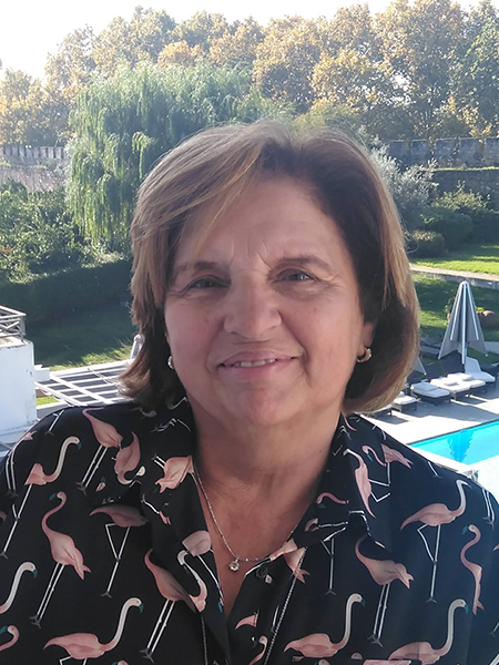 Dra. Isabel Sales